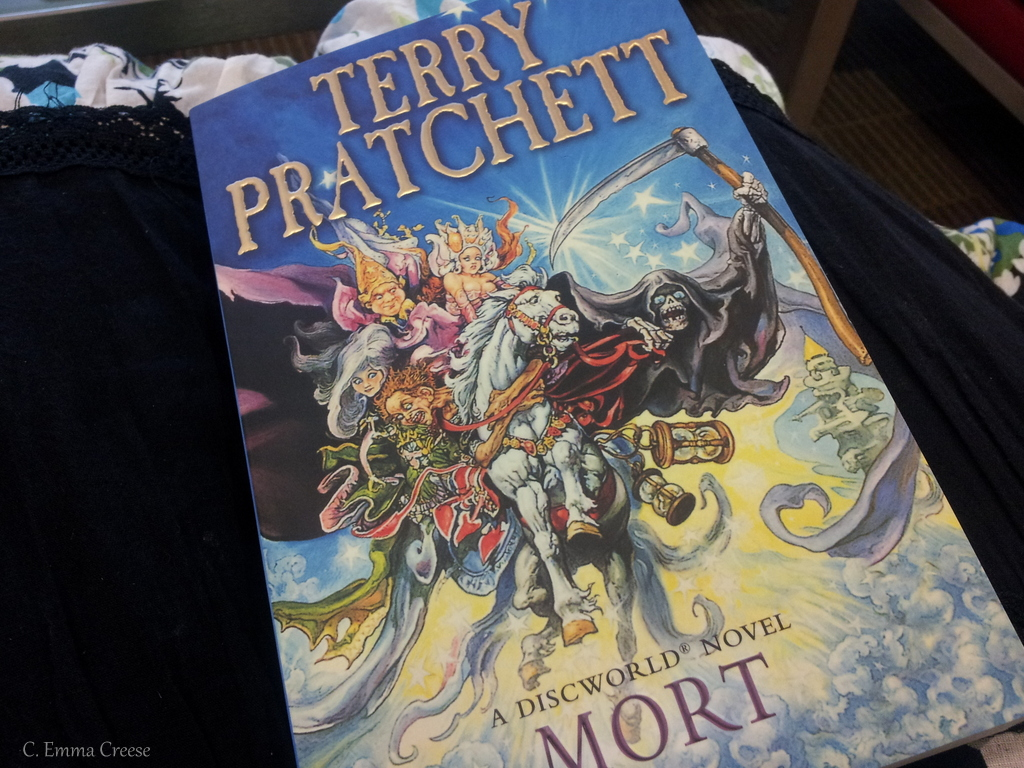 Mort by Terry Pratchett – Book and Theatre Review [affiliate]