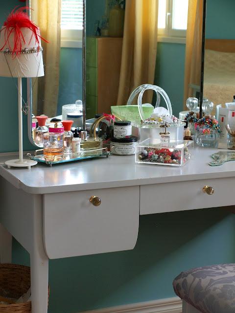 dressing table vanity vintage blue mirror perfume jewellery lucite