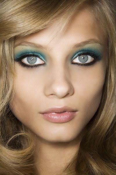 Natural Aqua Blue Eyes