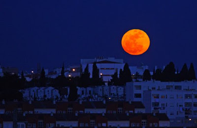 Supermoon Photos From Around The World Seen On www.coolpicturegallery.us