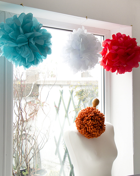 Chi Chi Dee Handmade: Birdcage Lamps and Giant Pom Poms...