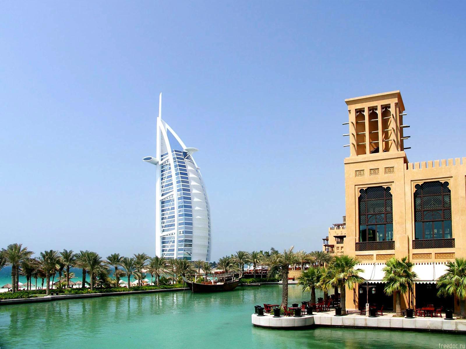 http://2.bp.blogspot.com/-HXDdDOJ697c/TWUYbVjFvhI/AAAAAAAAAdg/Su2Lf-ouH2Y/s1600/Dubai-view-Wallpaper.jpg
