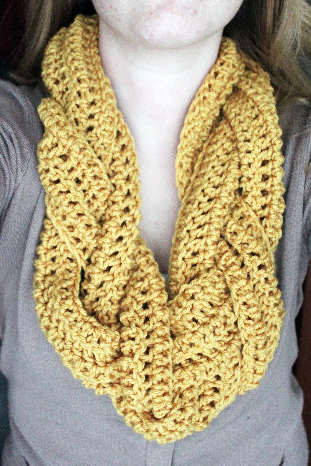 Double Crochet Infinity Scarf Free Pattern : Rookie Crafter: Braided Crocheted Scarf