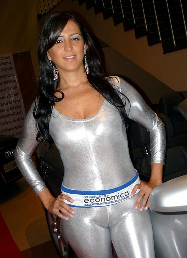 image Mi novia en leggins blancos transparentes