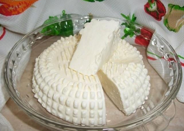 Сыр из молока кефира и сметаны в домашних условиях