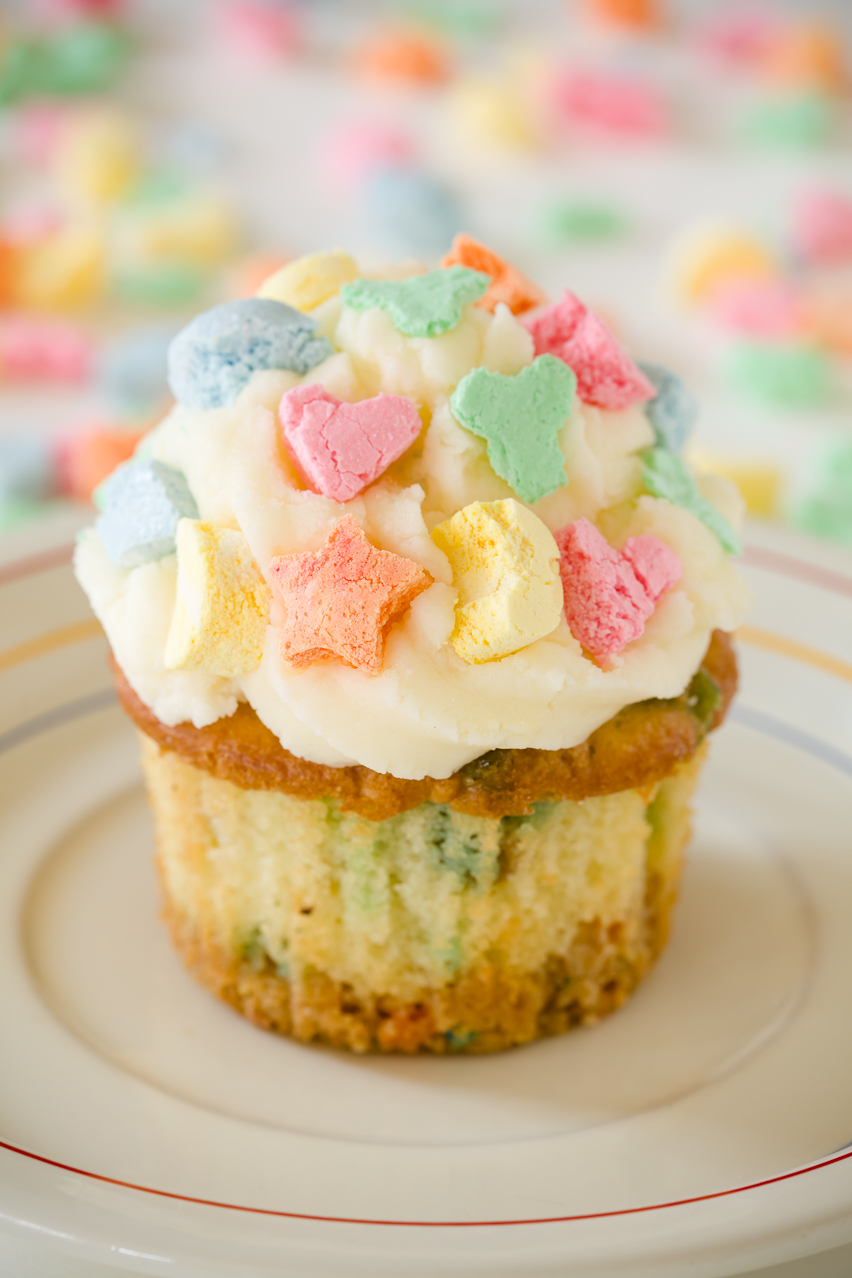 Lucky Charms Cupcakes for St. Patrick's Day | Cupcake Project