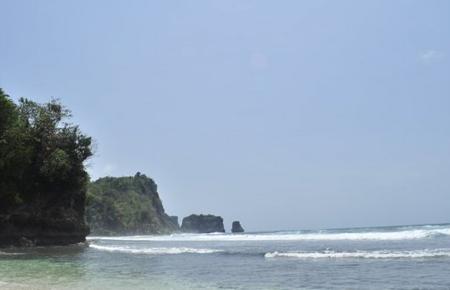 Pantai Sanggar, Tulungagung