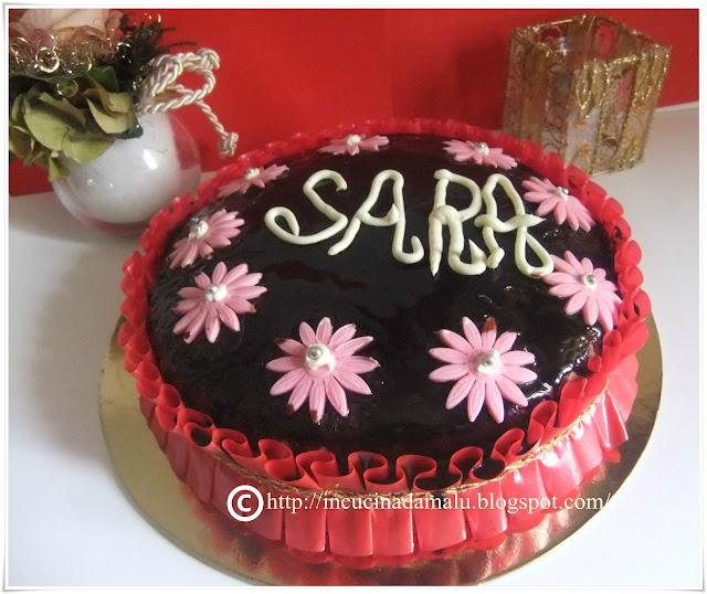 In cucina da malu 39 torta al cioccolato ripiena di ganache - Decorazioni torte con glassa ...