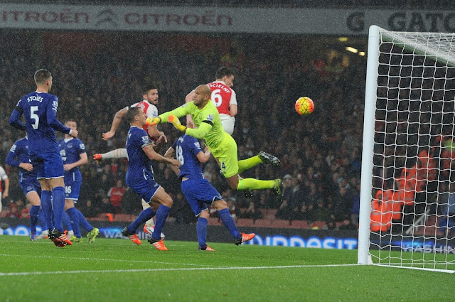 Laurent Koscielny header vs. Everton arsenal 2015
