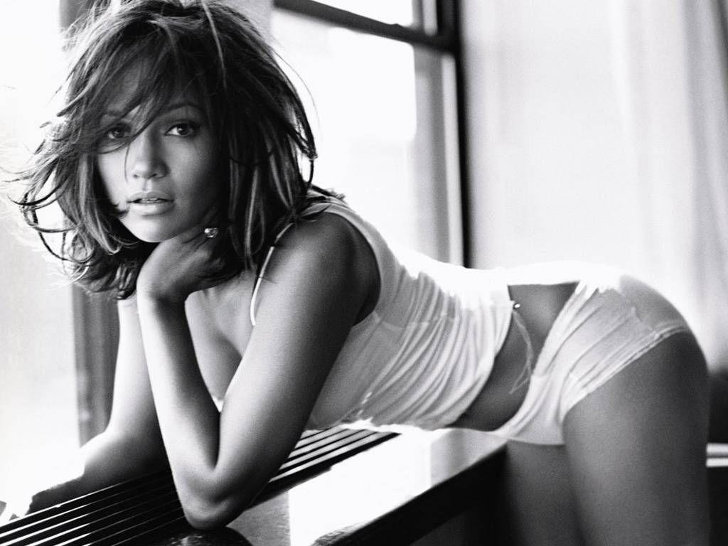 http://2.bp.blogspot.com/-HXv8cFH0bMA/TgAXwP8mTNI/AAAAAAAAAos/4uxBqTpRPmw/s1600/jennifer-lopez-sexy-bikini1.jpg