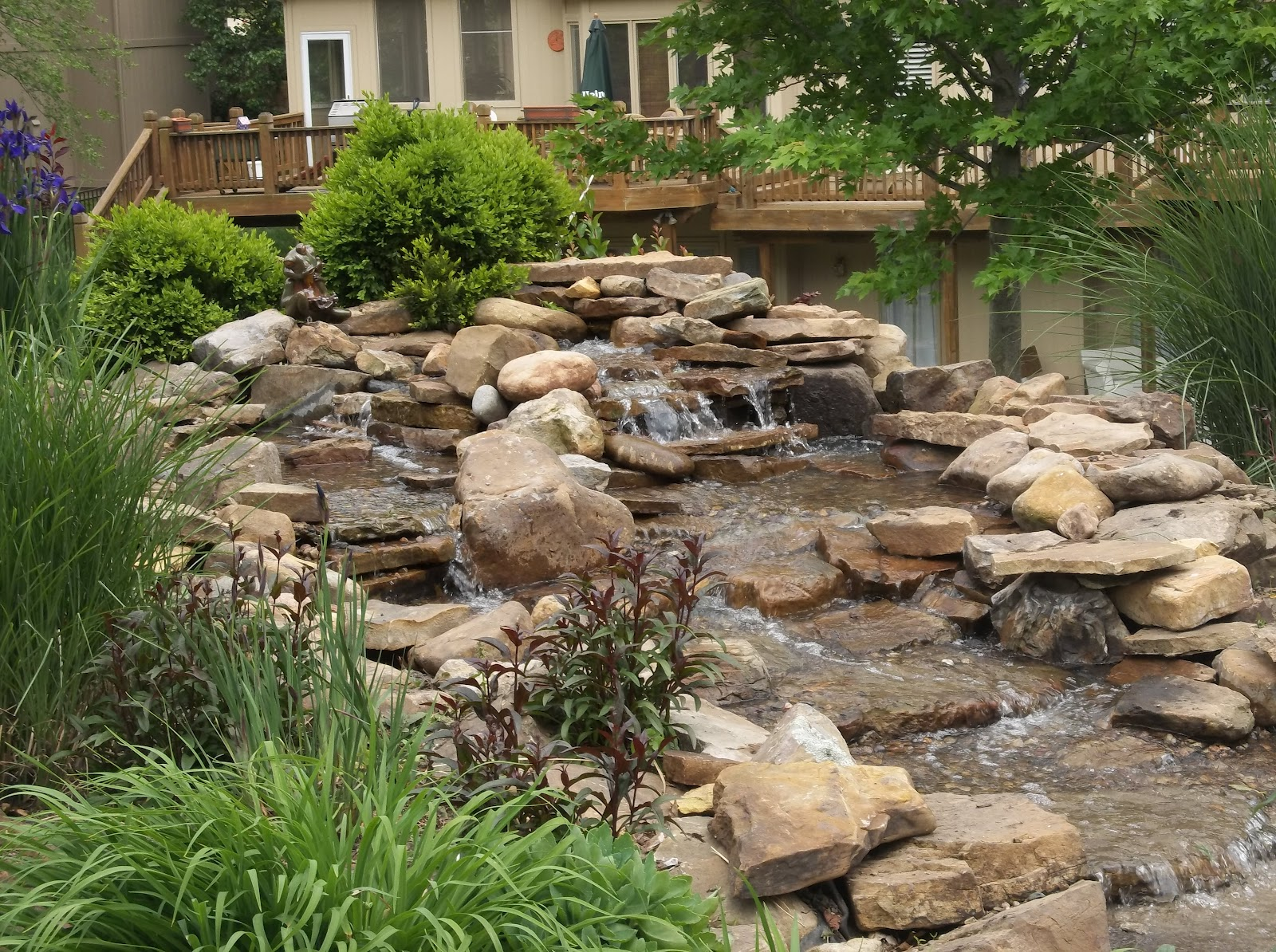 Kansas city waterfall construction - How to build an outdoor fountain with rocks ...