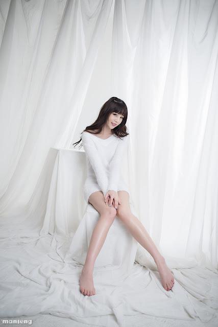 Hong Ji Yeon - Lovely Fluffy White