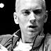 Clipe de 'Guts Over Fear' do Eminem + Sia