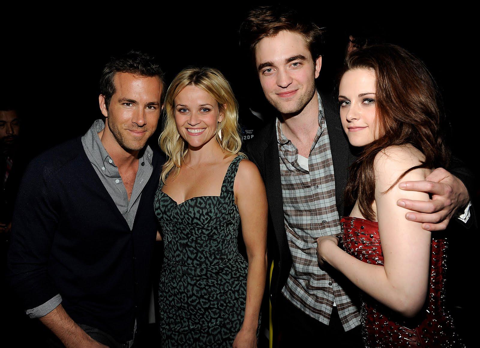 2011 MTV Movie Awards [HQ] - Robert Pattinson & Kristen