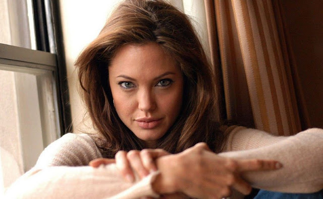 cute+Angelina+Jolie+hot+photos