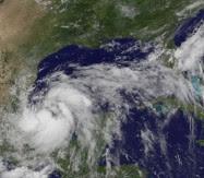 Tropischer Sturm ARLENE bedroht Veracruz, Mexiko, Veracruz, 2011, aktuell, Arlene, Atlantik, Golf von Mexiko, Hurrikansaison 2011, Mexiko, Nuevo León, Sturmflut Hochwasser Überschwemmung, Tamaulipas, Touristen, Vorhersage Forecast Prognose,