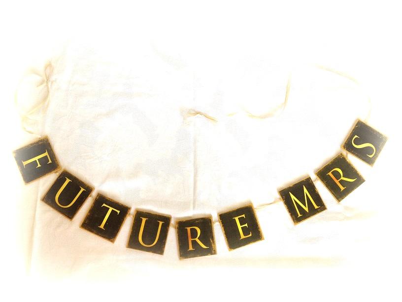 http://le-cose-animate.blogspot.ro/2014/07/ghirlanda-gold-future-mrs-ghirlanda.html