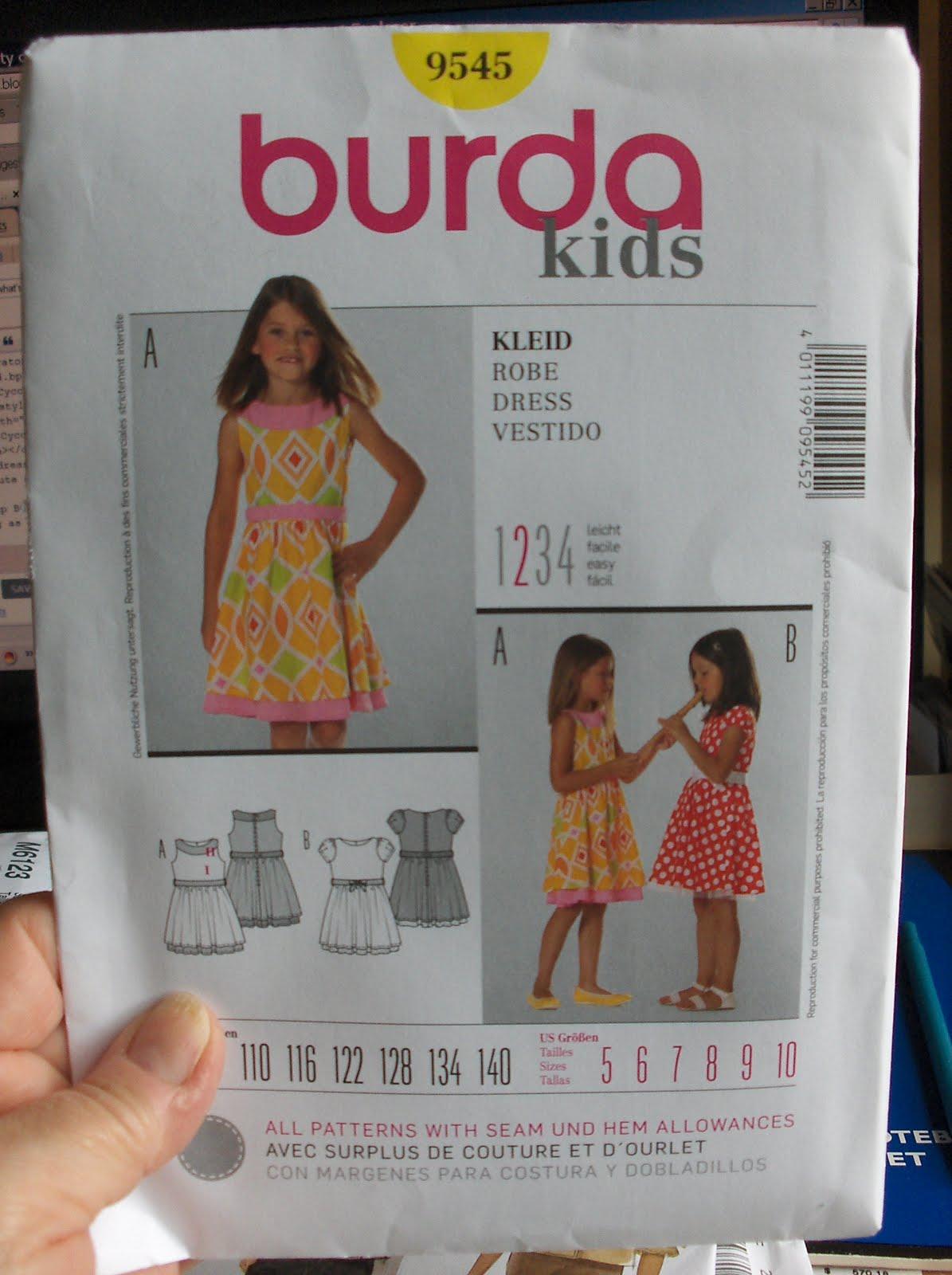 Kleid burda 9545