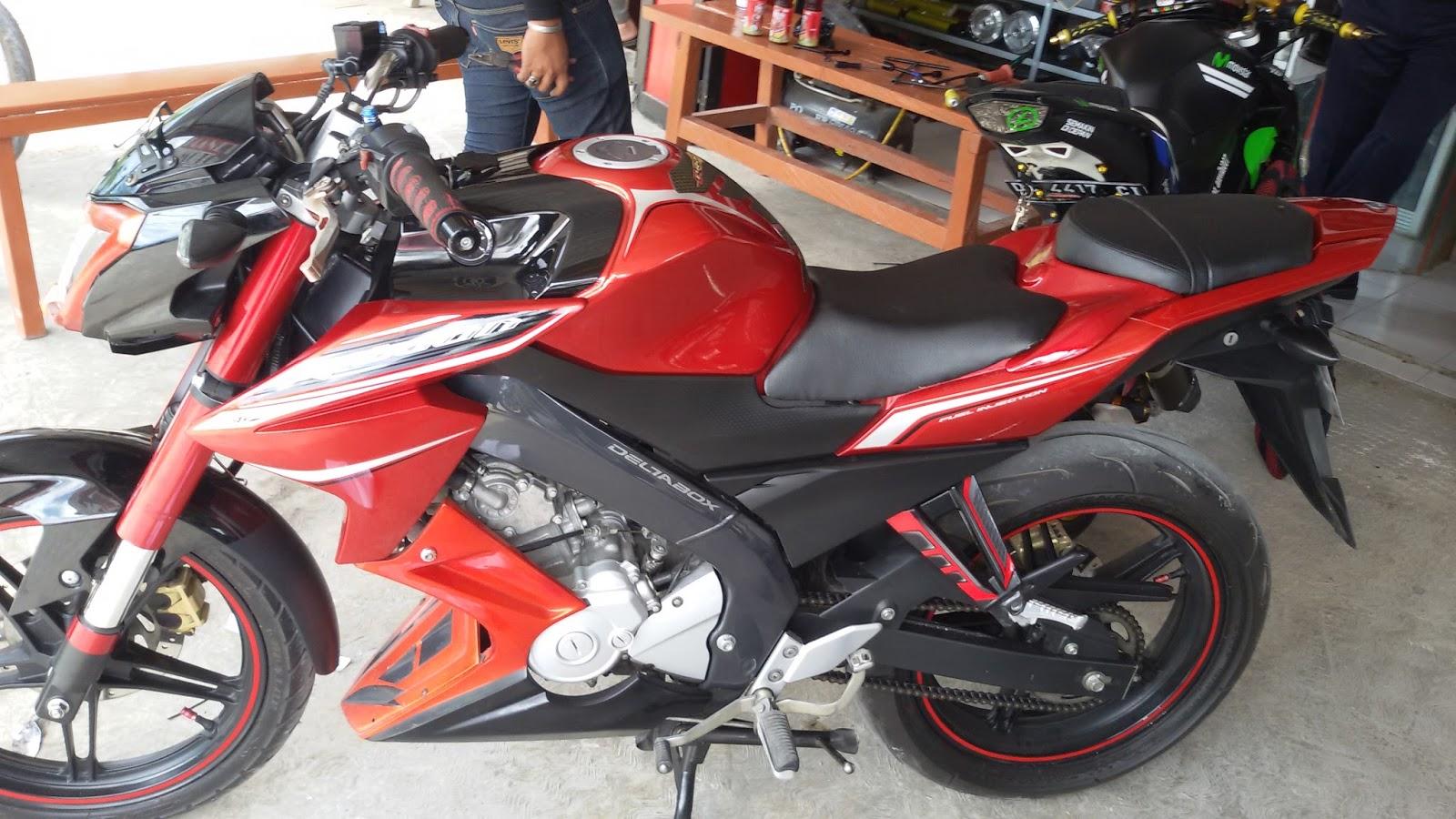 PLANET MOTOR Cover Shok USD Jok Pisah NVL Merah