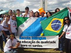 Movimento em Brasília: Escola Bilíngue para Surdos