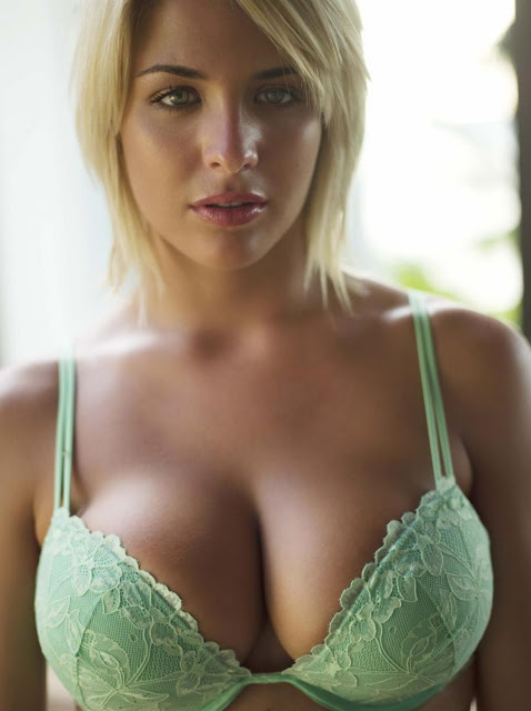 Sexiest-Big-Breast
