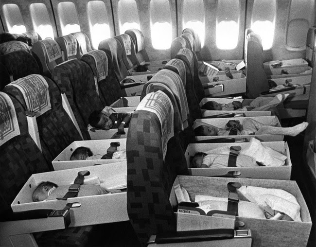24 Rare Historical Photos That Will Leave You Speechless - Babies, orphaned after the loss of their parents during the Vietnam war, are transported to the United States in 1975 in Operation Babylift.
