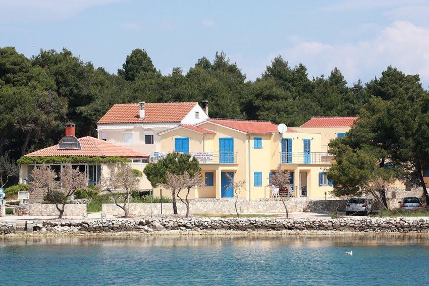 Agenzie immobiliari a civitanova marche croazia for Appartamenti pescoluse sul mare