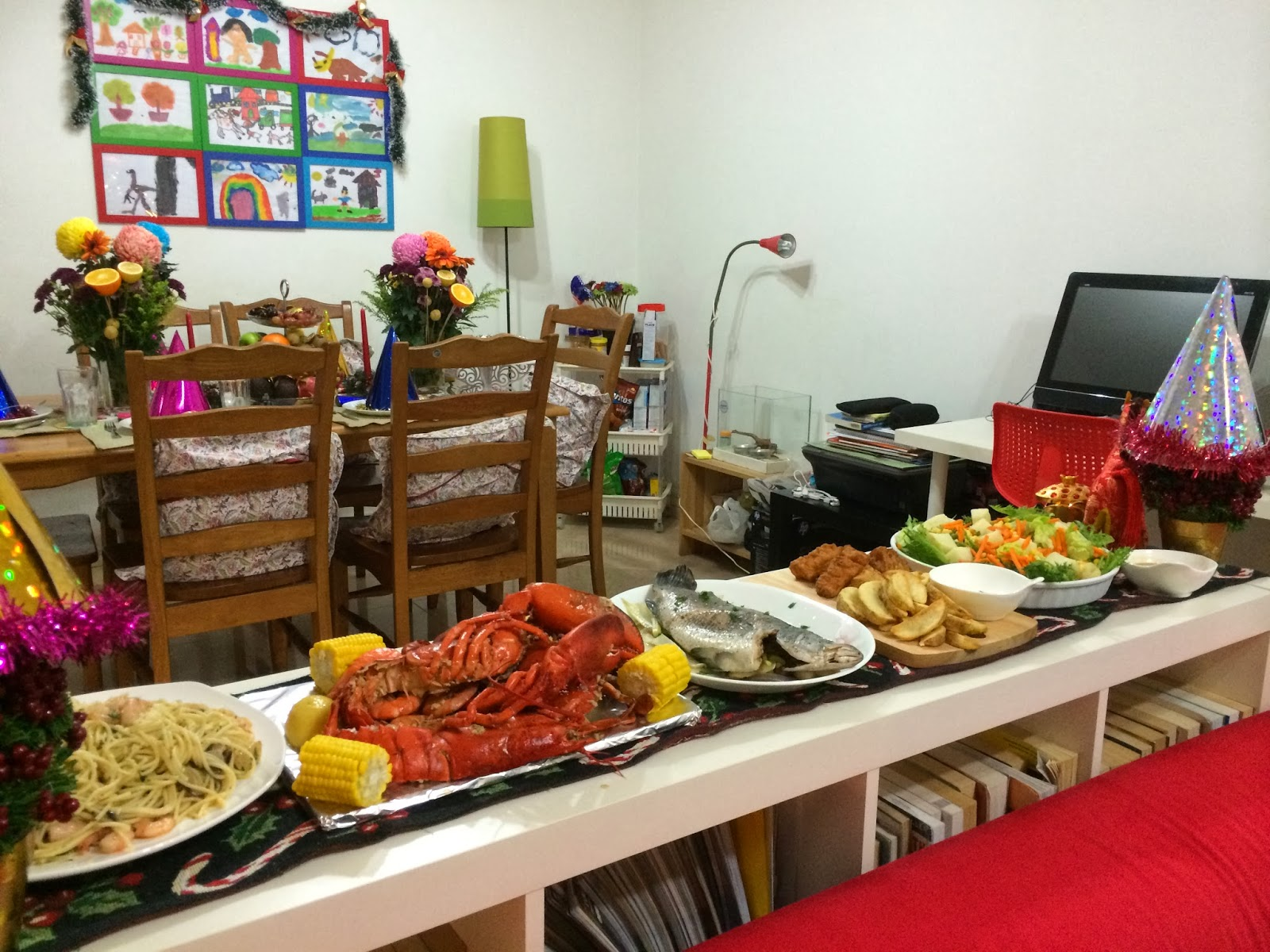 Filipino table setting - This Is The Entire Feast Our Media Noche In Filipino Language For The New Year We Opted For A Seafood Theme Since Christmas Was More On Meat