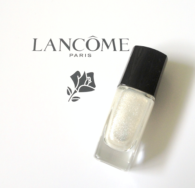 Lancôme Holiday 2013 - Rose Étincelle Highlighter and Étincelle de Neige Vernis in Love nail polish