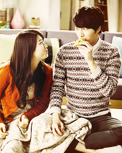 Suzy and Jung Illwo Official Domino Pizza Picture