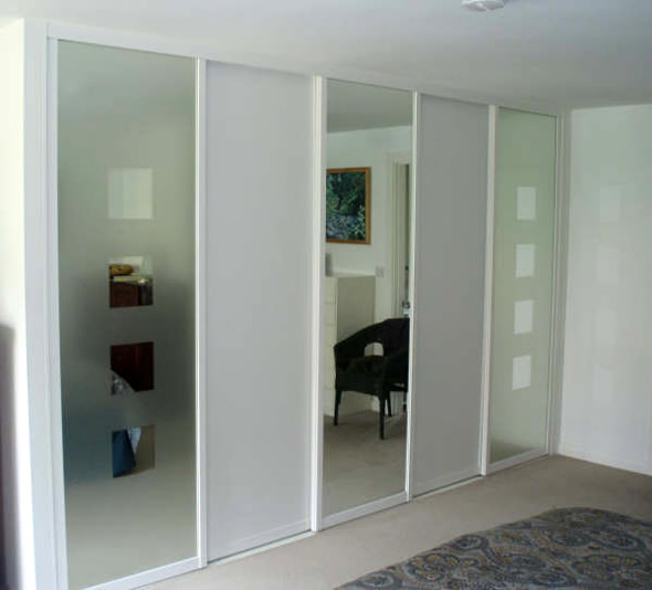 Bedroom Wardrobes with Sliding Doors