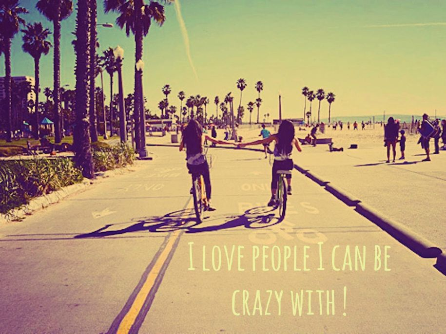 dziewczyny, palmy, przyjaciółki, dziewczyny na rowerach, plaża, I love People I can be crazy with, lato, summer, bicycles, girl, bicycles, beach, palm trees, road