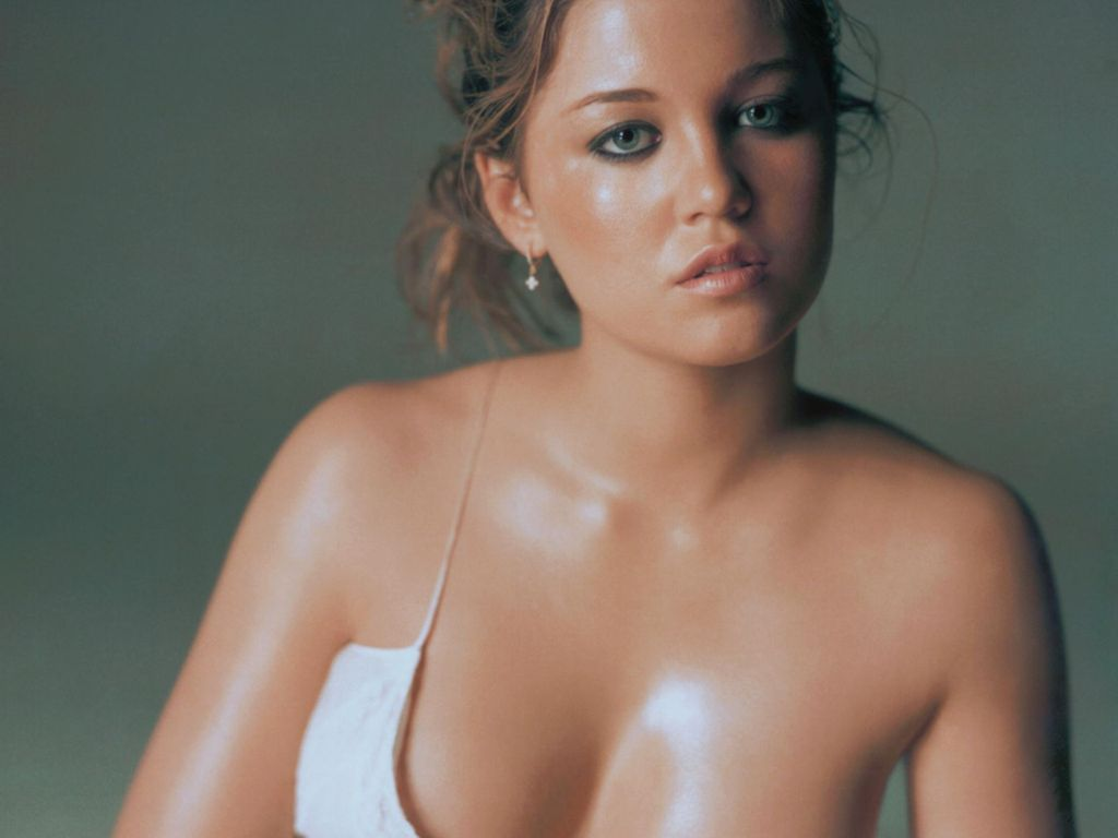 Erika Christensen Photos Hot Famous Celebrities