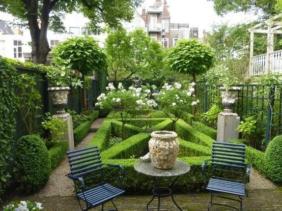 High Quality Evergreen Garden Tour