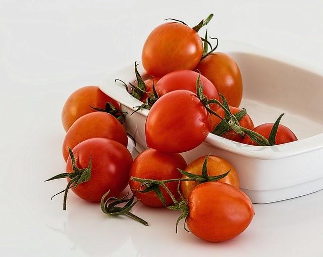 Anda Suka Jus Tomat ini dia manfaatnya