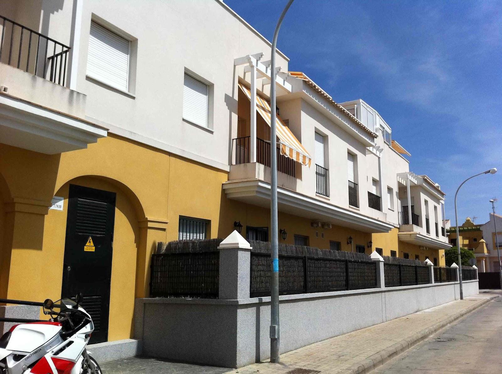 Apartamento en rota cadiz alquiler verano edificio for Alquiler piso rota verano