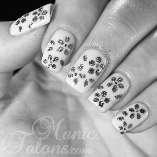Gel Polish and Glitter Flowers Preview