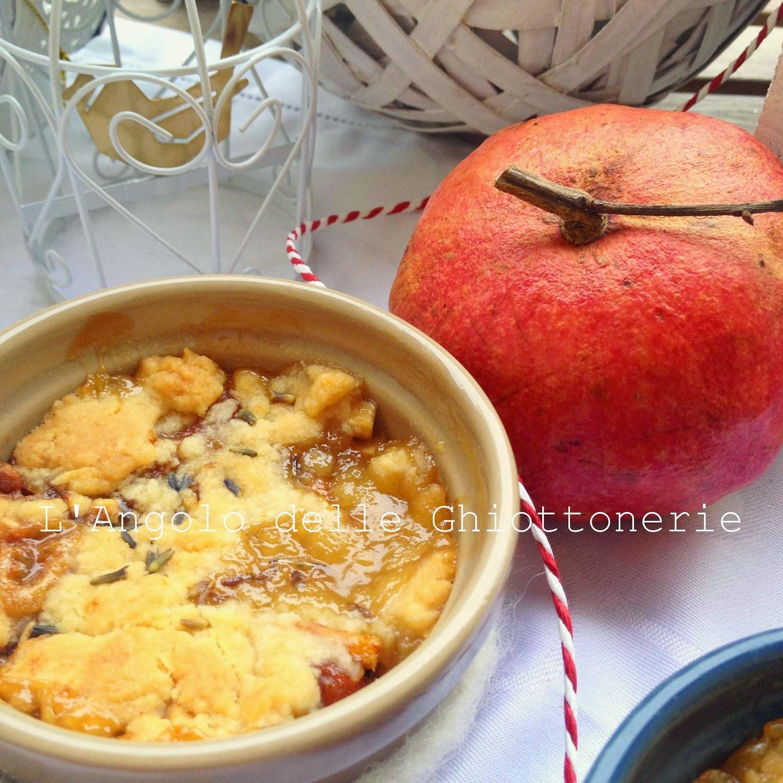 crumble di mela annurca e caco vaniglia, al profumo di lavanda