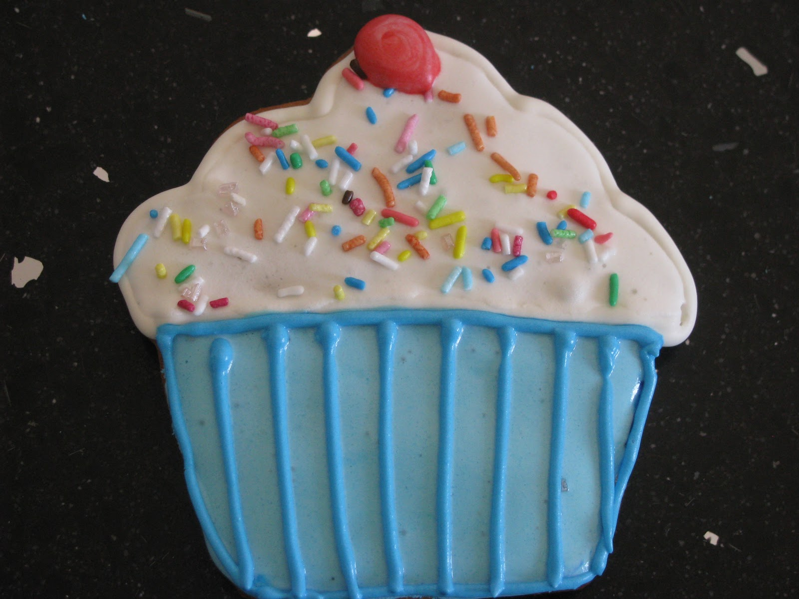 Le torte di lara biscotti decorati con glassa reale - Decorazioni torte con glassa ...