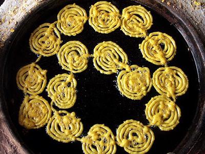 cooking jalebi, jalibi, zoulbia, afghanistan, ramadan
