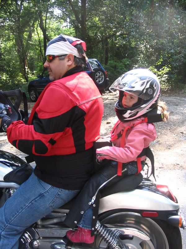 texas rider news are children safe as motorcycle passengers. Black Bedroom Furniture Sets. Home Design Ideas