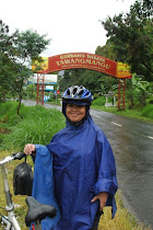 Gerbang masuk Tawangmangu 29 Desember 2011