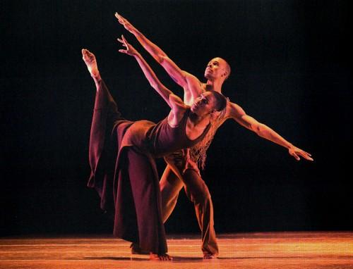 alvin_ailey_dance_theater_american_ballet_danse_paris_étés_de_la_danse_choreograph_chorégraphie