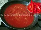 Mancare de ardei copti preparare reteta - adaugam ardeii decojiti