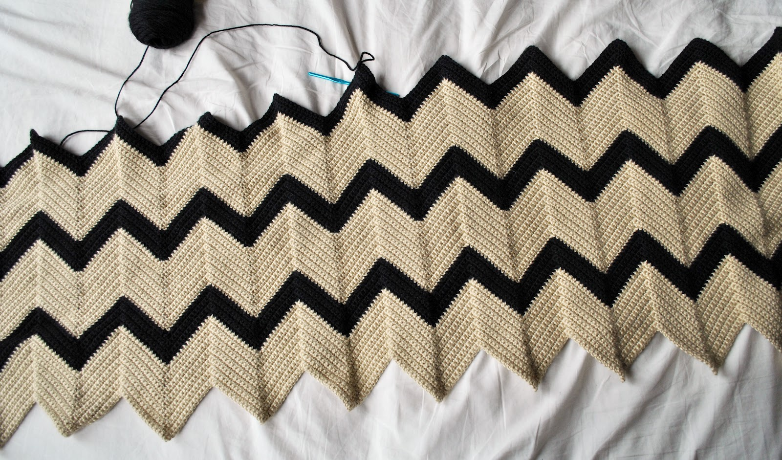 Young broke and marvelous i dream of chevron crochet chevron blanket dt1010fo