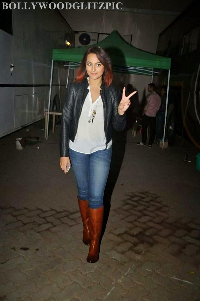 Sonakshi Sinha Tight Denim Jeans Booty Photos