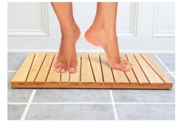 Charmant In Our Home, The Toilettree Bamboo Bath Mat Is Used In The Hallway, Shared  Bathroom. With Multiple Children Taking Nightly Showers, The Cotton Bath  Mats ...