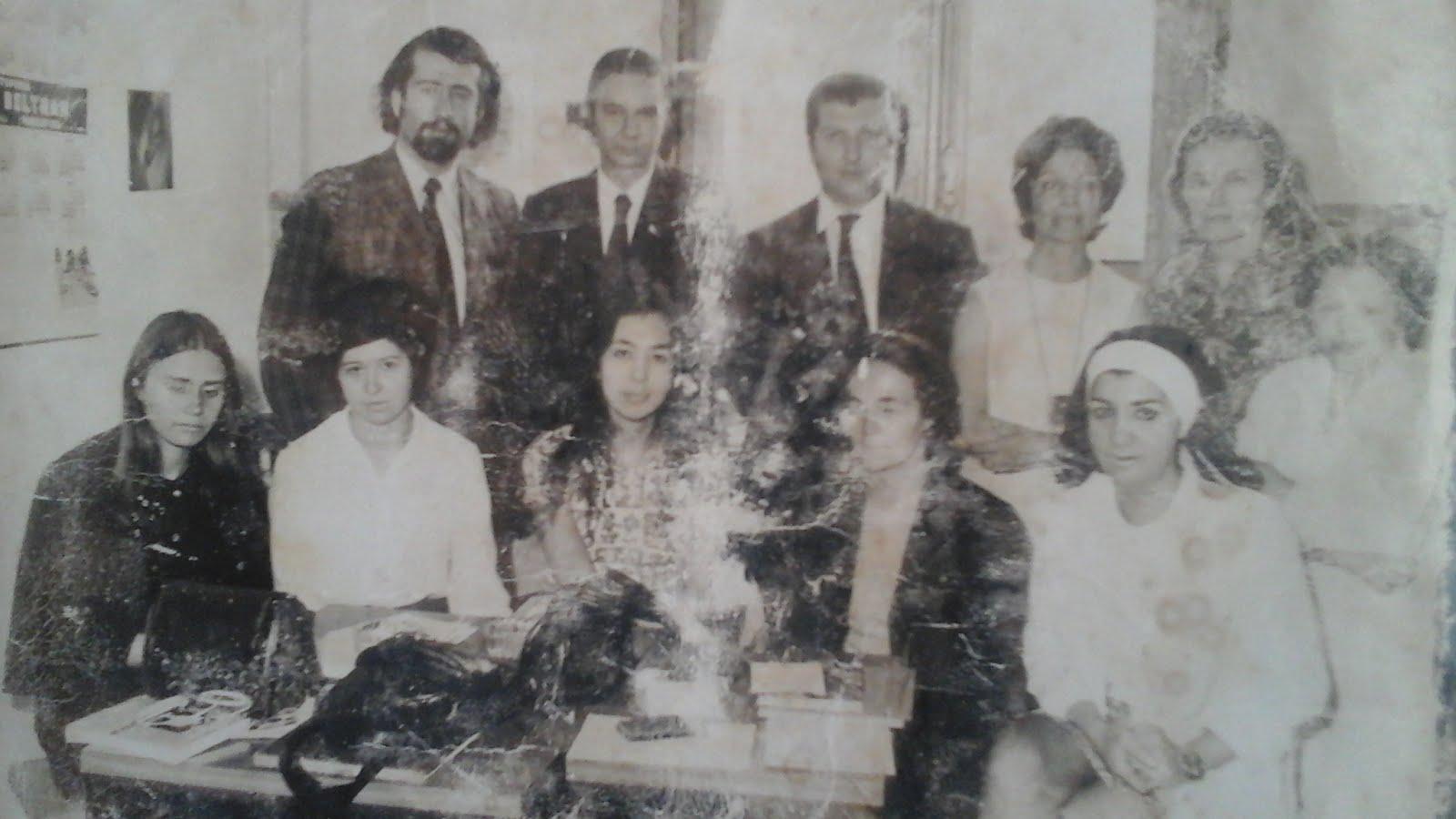 9 - En la foto Naum Kliksberg (arriba a la izquierda) con el equipo que integraba de