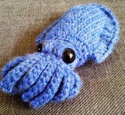 http://translate.google.es/translate?hl=es&sl=auto&tl=es&u=http%3A%2F%2Fsteuc.blogspot.com.es%2F2013%2F06%2Fcrochet-cuttlefish.html