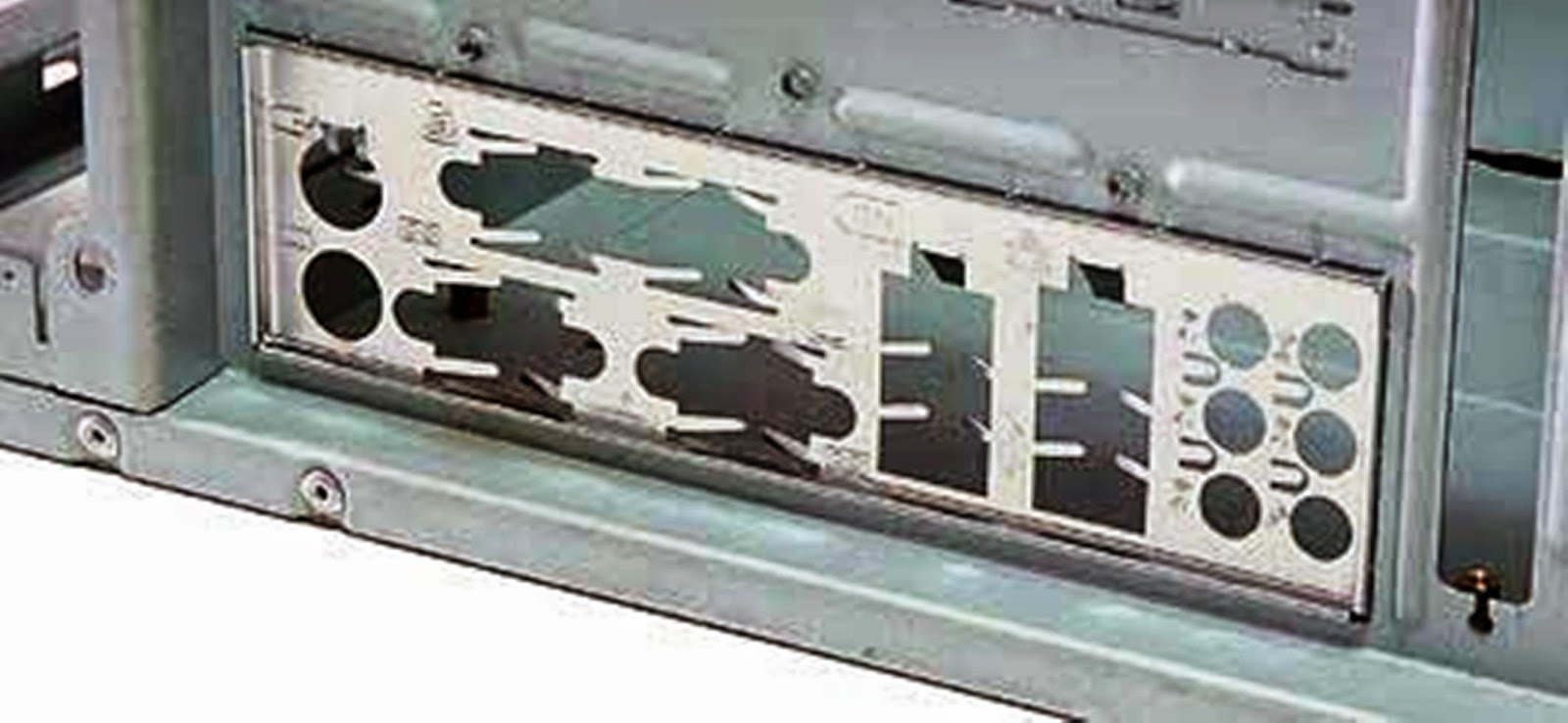 Задняя панель компьютера фото 7